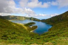 Il paesaggio panoramico del lLagoa fa Fogo in Azzorre Immagini Stock