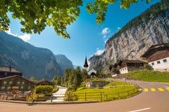Il paesaggio pittoresco con la chiesa del canyon e della cascata in La Immagine Stock Libera da Diritti