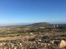 Il paesaggio roccioso dell'isola di estate 2018 di Rodi fotografia stock libera da diritti