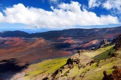 Il paesaggio sbalorditivo del cratere del vulcano di Haleakala preso a Kalahaku trascura alla sommità di Haleakala, Maui, Hawai Fotografia Stock