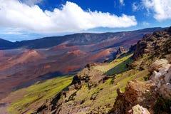 Il paesaggio sbalorditivo del cratere del vulcano di Haleakala preso a Kalahaku trascura alla sommità di Haleakala, Maui, Hawai Fotografia Stock Libera da Diritti