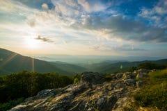 Il paesaggio scenico dell'estate sopra trascura il PA nazionale di Shenandoah dell'azionamento Immagini Stock Libere da Diritti