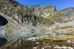 Il paesaggio stupefacente dei laghi Elenski e Malyovitsa alzano, montagna di Rila Fotografia Stock Libera da Diritti