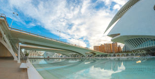 Il paesaggio urbano di Valencia che caratterizza il teatro dell'opera, alle arti concentra Immagine Stock