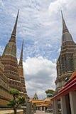Il pagoda a Wat Pho, Bangkok, Tailandia. fotografie stock libere da diritti