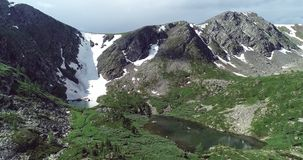 Il Pakistan: Cresta della montagna con uno strato di neve immagine stock libera da diritti