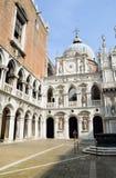 Il palazzo dei doge a Venezia Immagine Stock