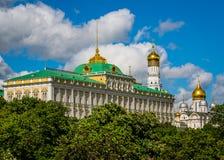 Il palazzo di Cremlino e la cattedrale dell'annuncio Immagini Stock Libere da Diritti