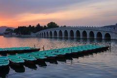 Il palazzo di estate è il tramonto Fotografie Stock