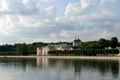 Il palazzo nel parco di Kuskovo Fotografie Stock Libere da Diritti