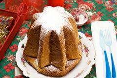 IL Pandoro - o Natal italiano tradicional c imagem de stock