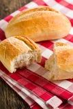 Il panino sul tovagliolo checkered Immagini Stock
