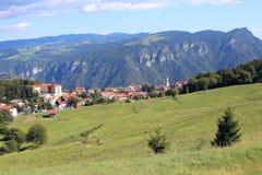 il panorama del villaggio gli ha chiamato Tonezza del Cimone in nordico Immagine Stock Libera da Diritti