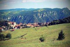 il panorama del villaggio gli ha chiamato Tonezza del Cimone in nordico Fotografia Stock
