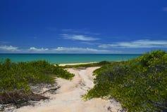Il paradiso è giusto là vicino al mare immagini stock libere da diritti