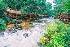Il parco nazionale di Kirirom situato in Kompong spue provincia regno di Cambogia la belle cascata e montagna Fotografia Stock