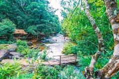 Il parco nazionale di Kirirom situato in Kompong spue provincia regno di Cambogia la belle cascata e montagna Immagine Stock