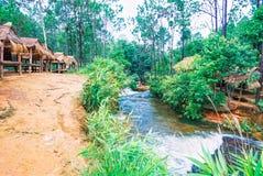 Il parco nazionale di Kirirom situato in Kompong spue provincia regno di Cambogia la belle cascata e montagna Fotografie Stock
