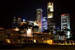 Il Parlamento di Singapore alloggia alla notte Immagini Stock Libere da Diritti