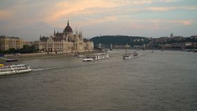Il Parlamento e palazzo di Budavari stock footage