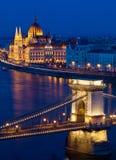 Il Parlamento e ponte a catena, Budapest, Ungheria Fotografie Stock Libere da Diritti