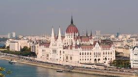 Il Parlamento ed il Danubio di Budapest video d archivio
