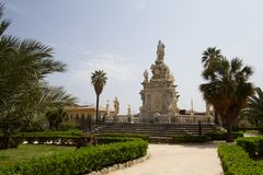 Il Parlamento quadra a Palermo, Italia fotografie stock libere da diritti