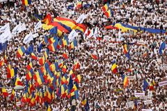IL PARTITO DI GOVERNO DEL ` S DELLA ROMANIA HA ORGANIZZATO UNA PROTESTA A BUCAREST immagini stock
