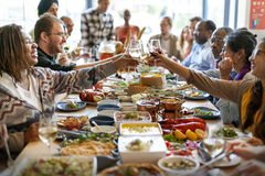 Il partito gastronomico culinario di cucina di approvvigionamento dell'alimento incoraggia il concetto fotografie stock