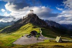 Il passaggio al tramonto, Belluno, dolomia, Tirolo del sud, Italia di Giau Fotografia Stock