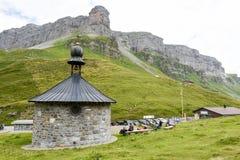 Il passaggio di Chiusa sulle alpi svizzere Immagine Stock