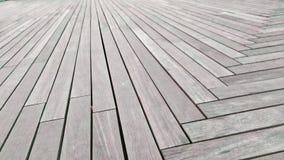 Il passaggio pedonale è fatto del pavimento della plancia Immagini Stock
