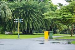 Il passaggio pedonale nel parco Fotografie Stock