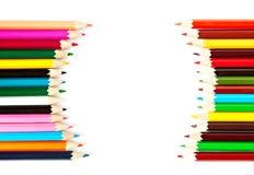 Il pastello di legno della tavolozza di colore disegna a matita a fondo bianco Immagine Stock Libera da Diritti
