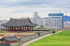 """Il patrimonio mondiale dell'Unesco della Corea colloca fortezza di Hwaseong del †""""e città di Suwon Immagine Stock Libera da Diritti"""