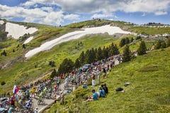 Il Peloton in montagne fotografie stock libere da diritti