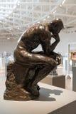 Il pensatore da Auguste Rodin al museo di arte di Soumaya in Città del Messico fotografia stock