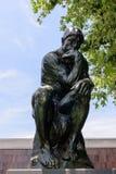 Il pensatore di Auguste Rodin in Norton Simon Museum fotografie stock