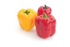 Il peperone dolce giallo e rosso isolato fotografia stock libera da diritti