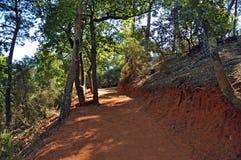 Il percorso del Roussillon vicino ocraceo, Francia Immagine Stock Libera da Diritti