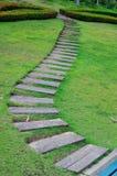 Il percorso della camminata del blocco di legno nella sosta Fotografia Stock