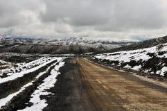 Il percorso nella montagna della neve Fotografia Stock Libera da Diritti