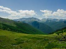 Il percorso nelle montagne di Altai Fotografia Stock