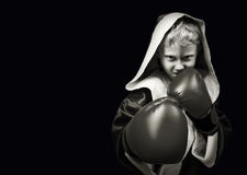 Il pericolo che sembra il giovane combattente di pugilato Fotografia Stock