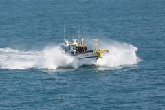 Il peschereccio dentro spruzza dall'alta velocità Immagine Stock Libera da Diritti