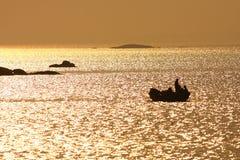Il peschereccio dentro thegolden il mare Fotografia Stock