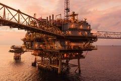 Il petrolio marino e la piattaforma e la ripresa esterna d'elaborazione centrali del gas plat Fotografia Stock Libera da Diritti