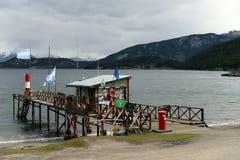 Il più del sud nel mondo la posta sulle banche del canale del cane da lepre nel parco nazionale di Tierra del Fuego Fotografia Stock Libera da Diritti