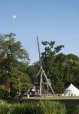 Il più grande trebuchet medioevale dei mondi fotografie stock libere da diritti