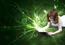 Il piacere di lettura Immagini Stock